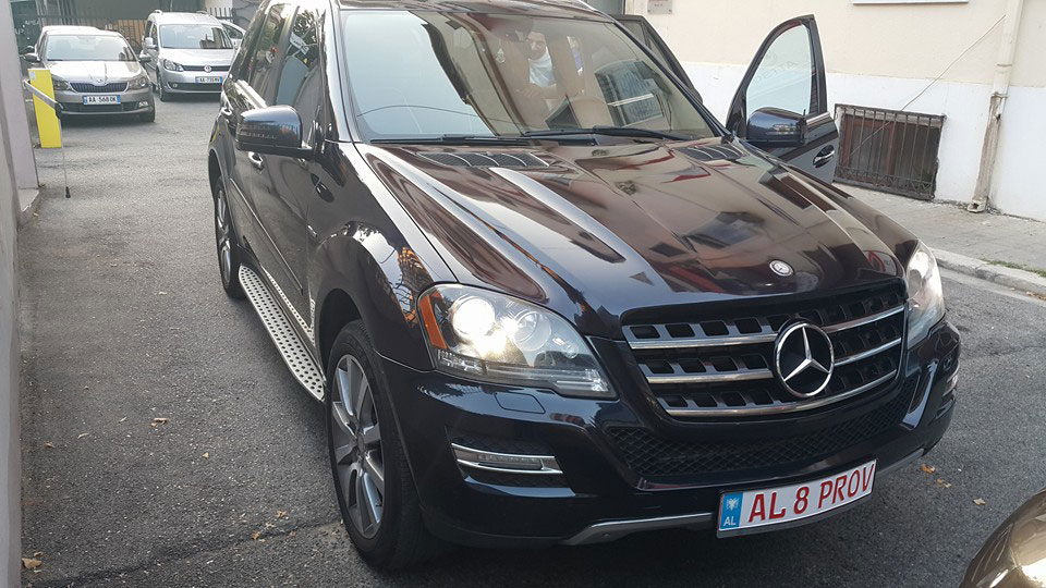 Mercedes Benz ML 350 CDI Bluetec Full Options 4WD