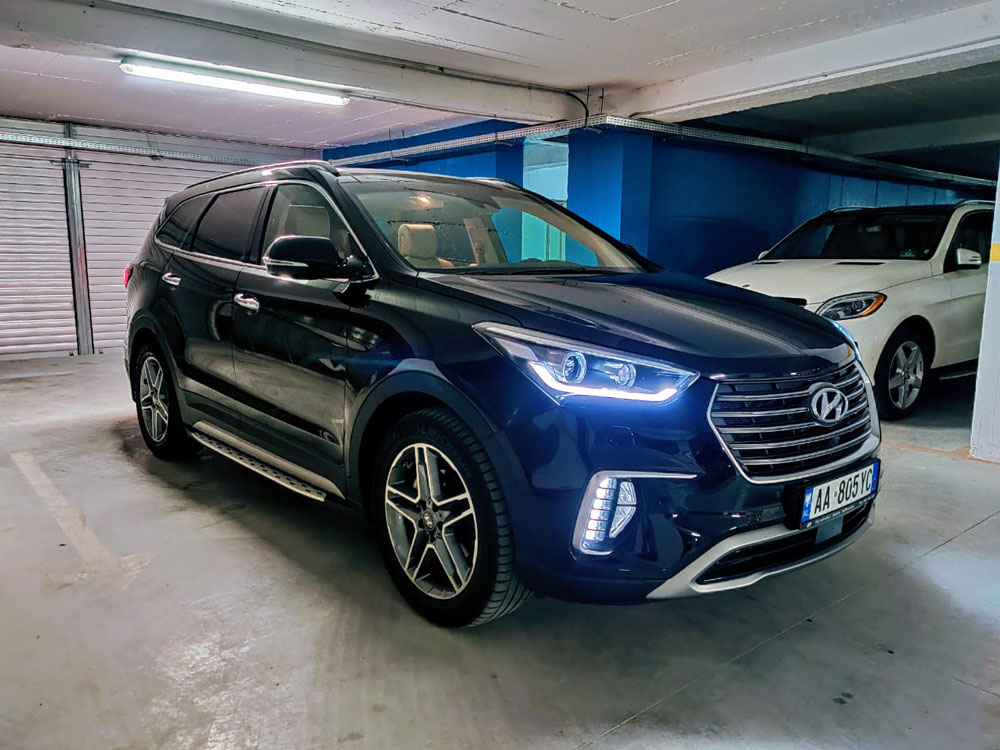 Hyundai-Grand-Santa-Fe-New-(5)